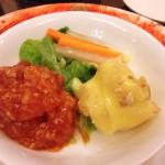 大海老の紅白作り。エビチリとエビマヨが両方食べられる。なますも紅白。どちらもソースがしつこくなくていい。