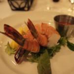 別の日のメニュー。エビのカクテル。shrimpと記されていたが、大きさはprawn。ジューシーなゆで加減。