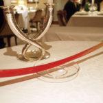 テーブルの飾りには花の代わりにルバーブ