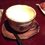 豆腐。売りだけに、味が濃く、大豆の甘味がしておいしい。