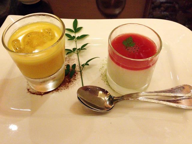 スイーツデュオ。マンゴープリンと杏仁豆腐。両方味がしっかりしていて満足。スプーンが2つついてくるのもいい。