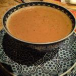 スパイスと豆のスープ。