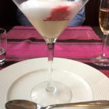デザートの2、苺と木苺のシャンパンクープ。大人の風味。