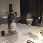 Robert Moncuit Blanc de Blancs Les Grands Blancs Extra Brut。ル・メニル・シュール・オジェらしい端正な味わい。