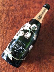 Perrier-Jouët Belle Epoque 2012。おなじみのアネモネのエッチングボトルが美しい。